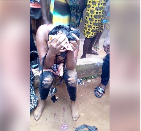 Suspected female burglar caught with bunch of keys, paraded topless in Edo (Photos)