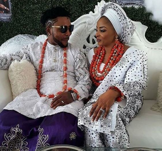 #ON2017: The love struck look, the wedding cake, more photos from Oritsefemi and Nabila