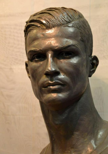See Photo Of Footballer Christiano Ronaldo's New Sculpture