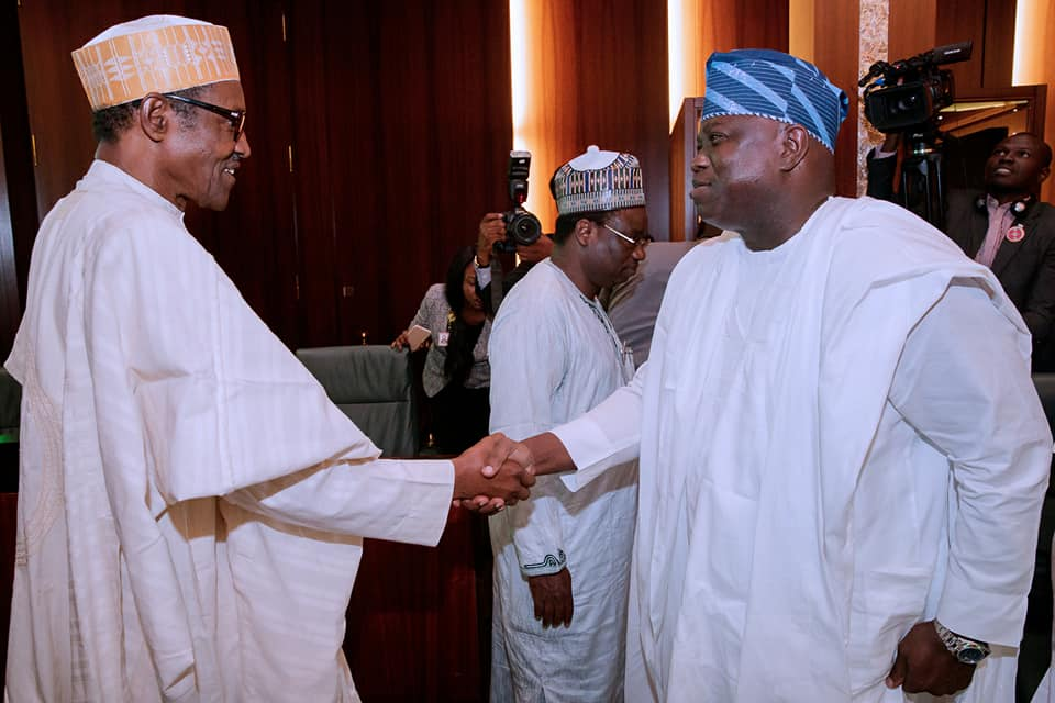 Photos:?President Buhari meets representatives of Nigerian Governor