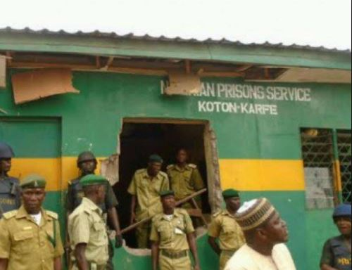 Nigerian Prison Service sacks 8 warders for smuggling Marijuana to Inmates