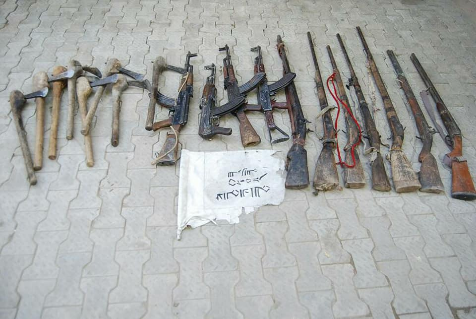 Nigerian Army captures Boko Haram terrorist, Neutralise many and recovers weapon (Photos)