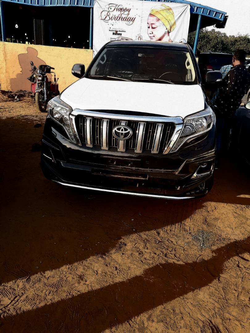 Billionaire Businessman?Escoba Smith buys brand new 2017 Toyota Prado Jeep for his?pastor as birthday gift