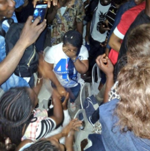 Man proposes to his girlfriend at The Experience gospel concert held at Tafewa Balewa Stadium