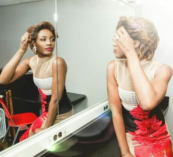 5a23e43c0c529 - Seyi Shay serves too much sauce in new outfit (photos)