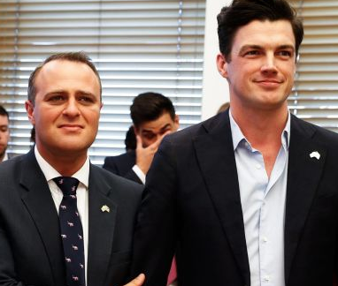 Video: Australian lawmaker proposes to his gay partner on the parliament floor