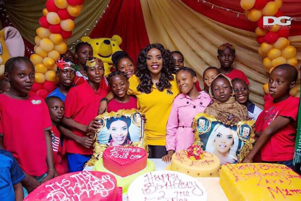 5a256d6958fc1 - Empress Njamah birthday celebration with the less privileged