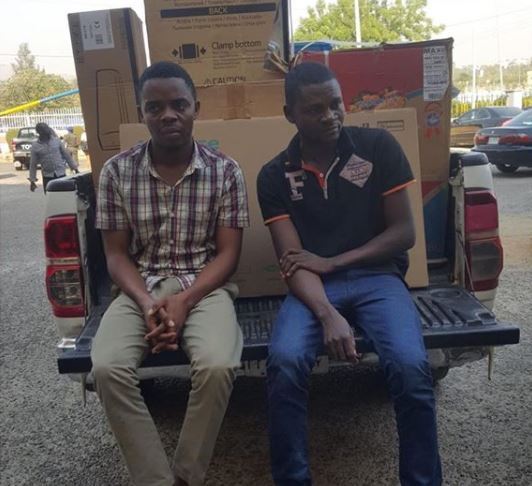 Photo: Hotel staff arrested in Abuja for stealing over $17,000 from?guest