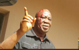 Angry traders from Utako market attack FCDA Official at Abuja Court (photos)