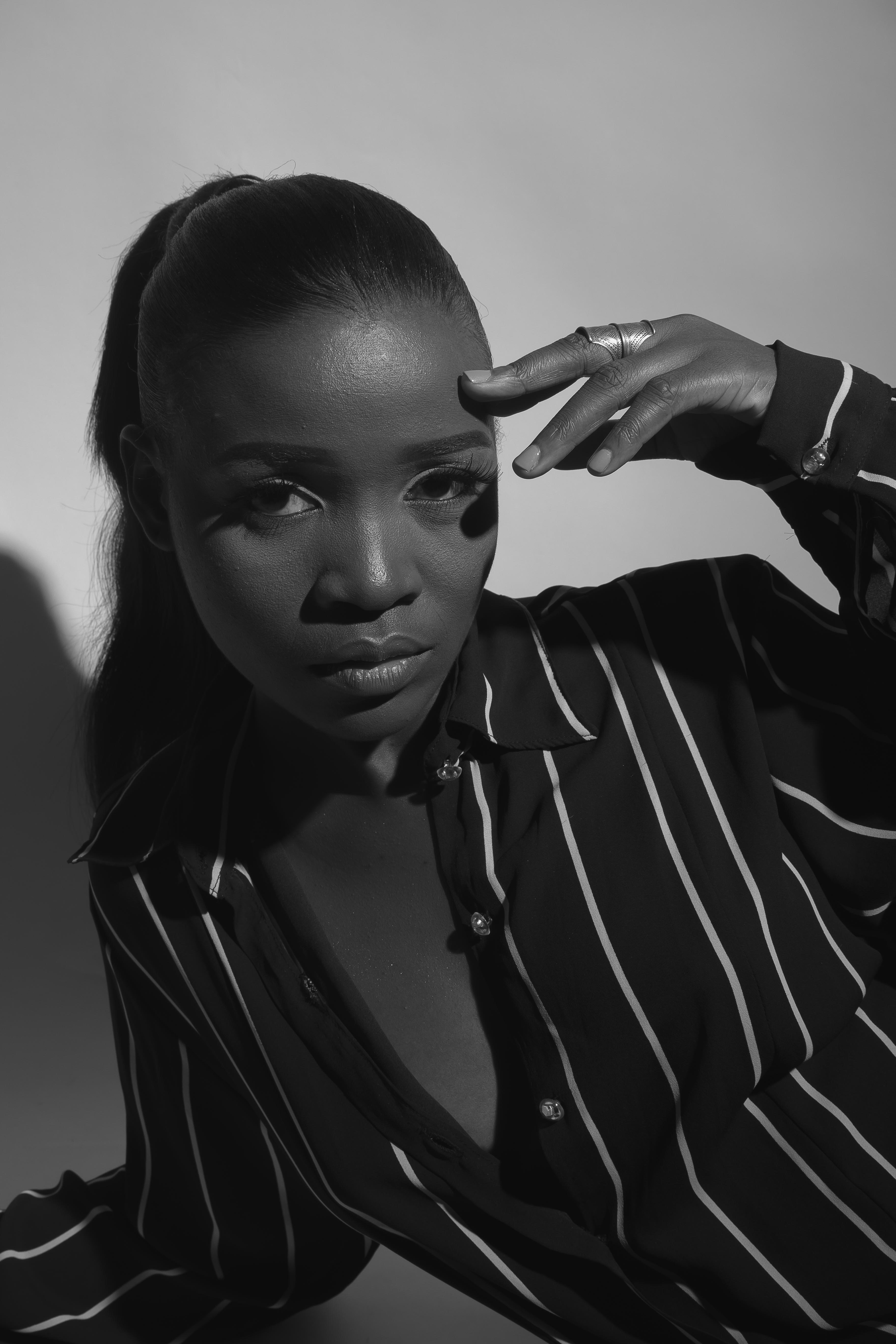 Tomi Odunsi Is sultry In new monochrome photos