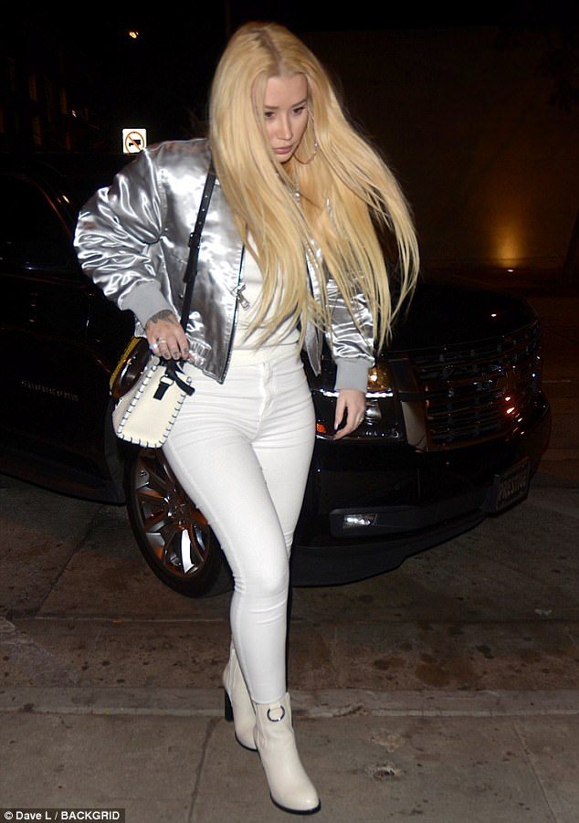 All forgiven? Rapper Iggy Azalea enjoys dinner date with ex-fianc?, Nick Young (Photos)