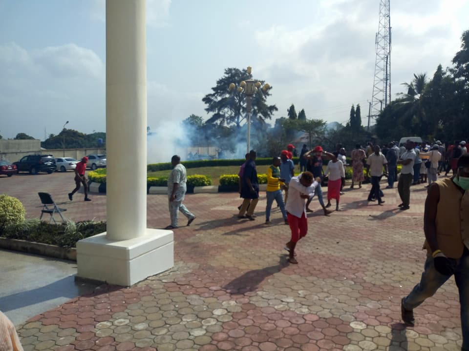 Photos: Gunshots fired as Innoson motors staff protest the arrest of their chairman, Chukwuma Innocent