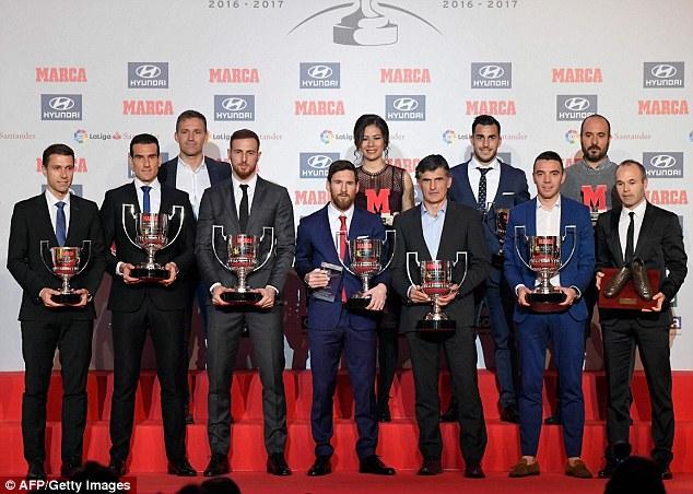 Lionel Messi picks up Pichichi award and Alfredo Di Stefano trophy following successful 2016-17 La Liga campaign (Photos)