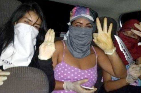 Notorious female gang members share a selfie before gruesomely stabbing a girl from rival gang to death & it