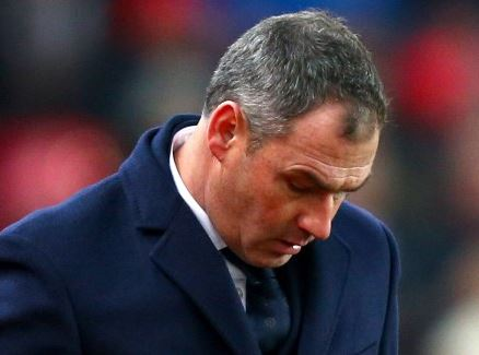 English club, Swansea sacks?head coach, Paul Clement