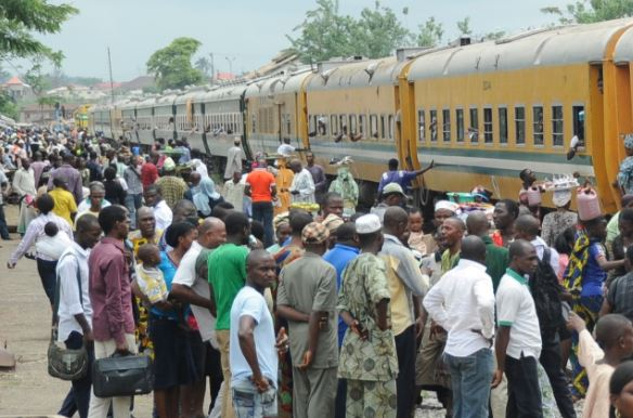 Amidst fuel scarcity, Osun State offers free train ride for?Indigenes to celebrate Christmas