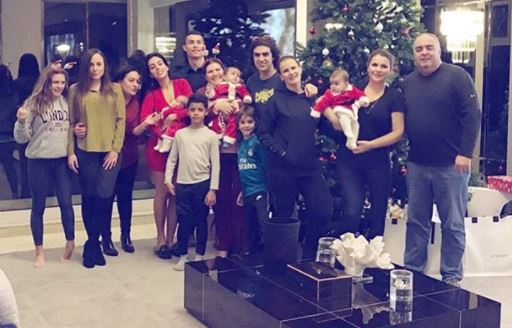 Cristiano Ronaldo shares cute Christmas photo with his family