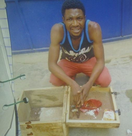Photo:?Customer caught with charms Inside a restaurant in Lagos