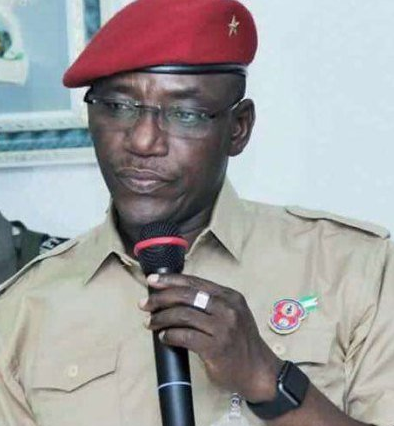 Sports Minister, Solomon Dalung, tenders an apology after President Buhari erroneously appoints NFF board members