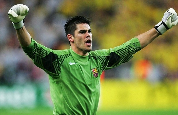 Ex-Barcelona and Man.U keeper, Victor Valdes, announces retirement from football & deletes all his social media accounts after failing to find a club