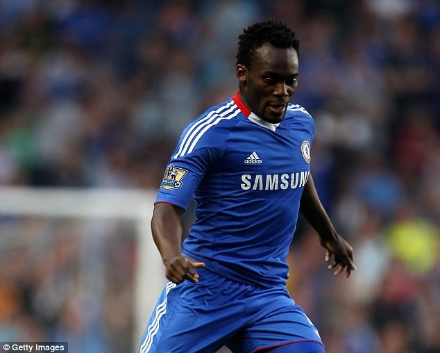 Lol..See the frightful statue of former Chelsea star Micheal Essien that was unveiled in Ghana?(Photos)