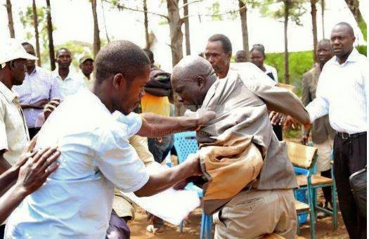 Angry parents beat up headmaster over poor examination result in Kenya (Photos)