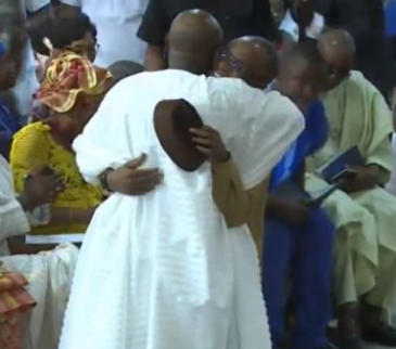 Photos: Governor Nasir El-Rufai visits clergyman, Tunde Bakare in church