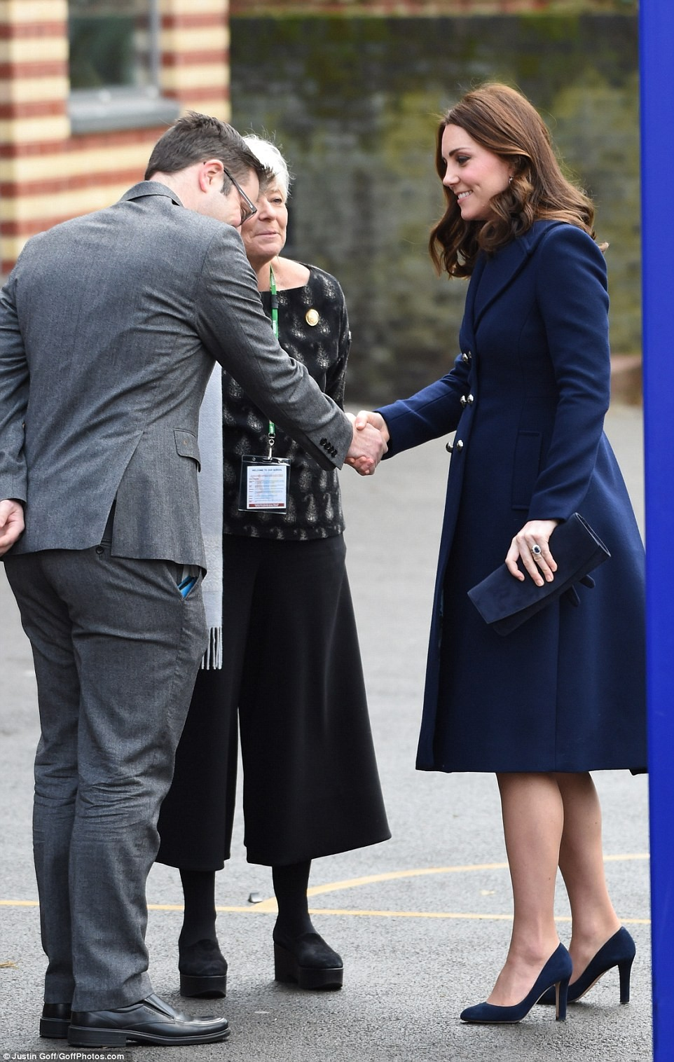 Pregnant Duchess of Cambridge steps out looking stunning in a ?65 maternity dress (Photos)
