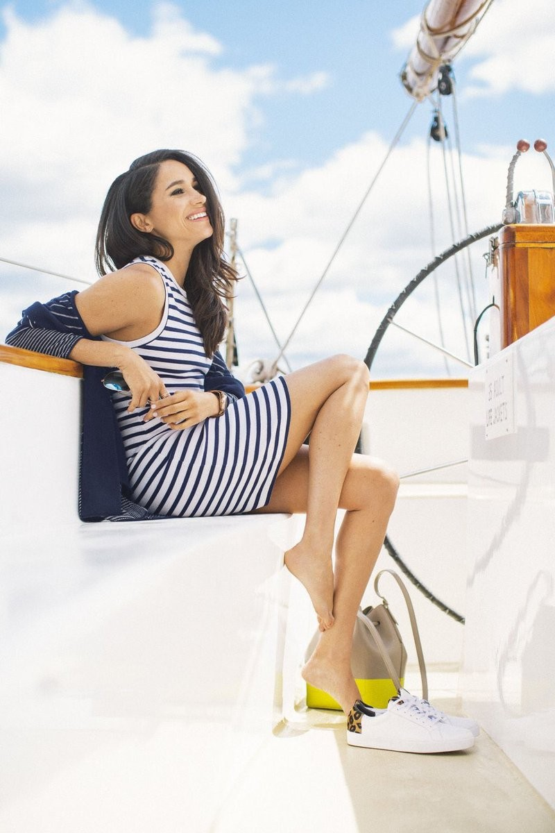Meghan Markle shows off her lovely legs in last magazine fashion shoot (photos)