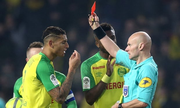 French referee Tony Chapron loses his cool, kicks player before sending him off (Photos/Video)