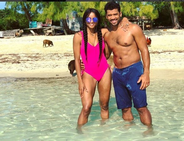 Ciara and husband Russell Wilson go swimming with pigs in Mexico