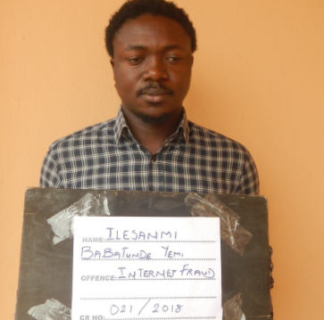 Photo: EFCC arrest Ekiti state University undergraduate for internet fraud