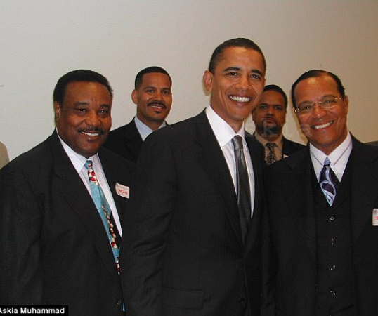 Fox News releases a secret photograph that could have cost Obama the presidency in 2008