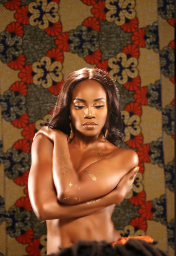 Seyi Shay breaks the internet as she goes completely topless in new photos (18+)