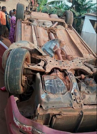 Nigerian pastor, his wife and twins survive ghastly motor accident in Benin unscathed