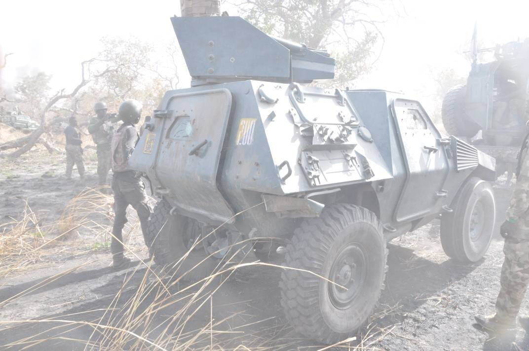 Nigerian troops recover a Vicker Main Battle Tank lost to Boko Haram last year in Gwoza (photos)