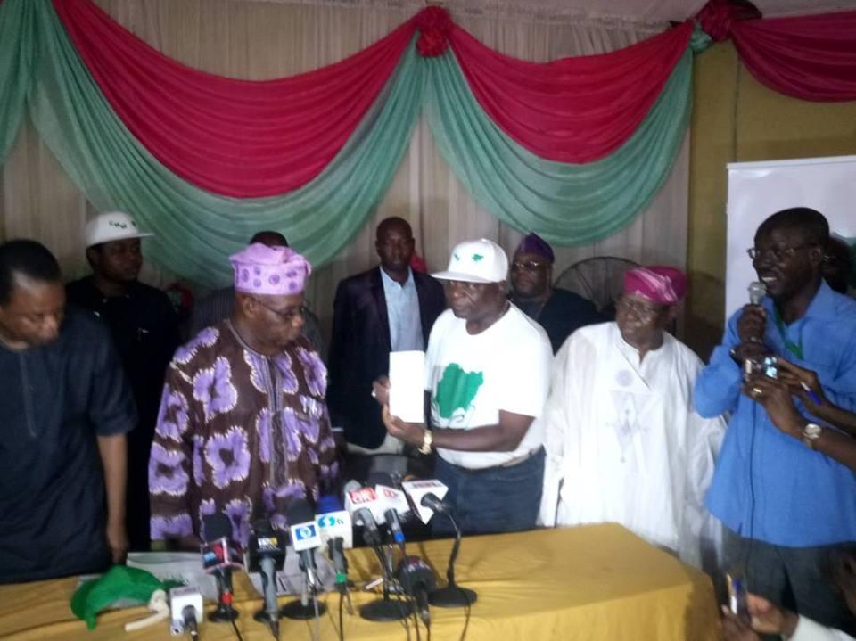 Osetigo! Former president, Olusegun Obasanjo, registers as member of Coalition For Nigeria Movement(photos)