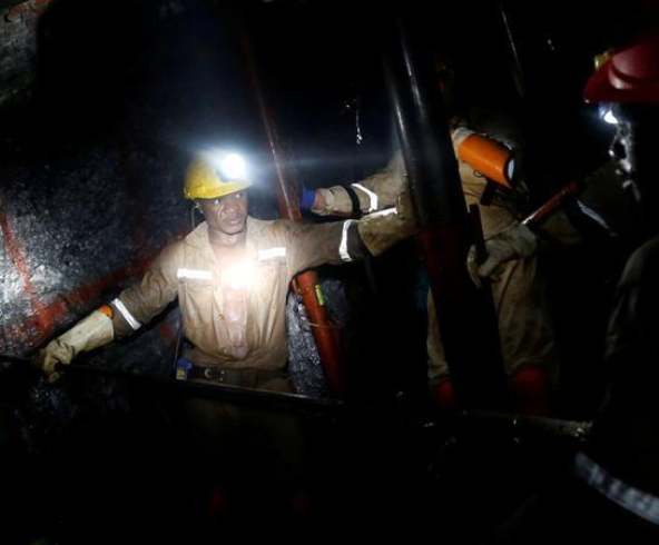 Over 1,000gold miners stuck undergroundin South Africa