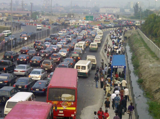 Angry Lagosians react after increment in Lekki toll gate fare causes 'Incredible' traffic jam