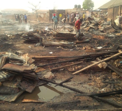 Early morning fire destroys over 200 store in Edo State