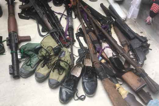 Photos:?Over 200 repentant militants surrender arms In Imo State