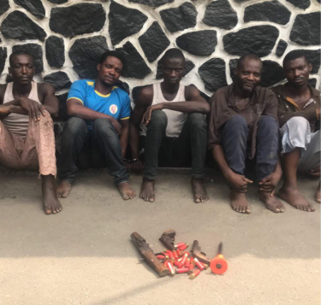Photo: Police arrest ex-convicts for armed robbery