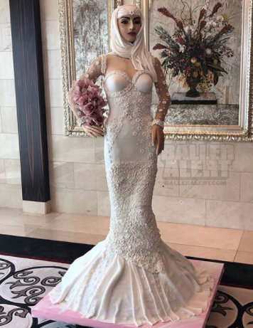 Check out this million-dollar wedding cake made in the form of an Arabian bride