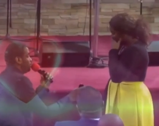 Video: RCCG member proposes to his girlfriend during church service