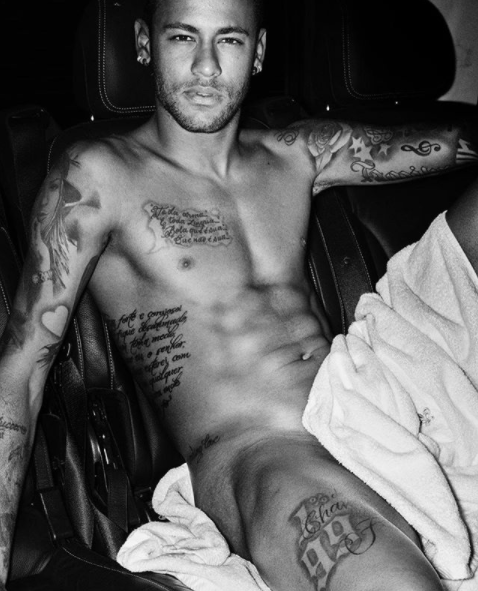 Ladies get in here! Footballer, Neymar has just shared a super hot half nude photo