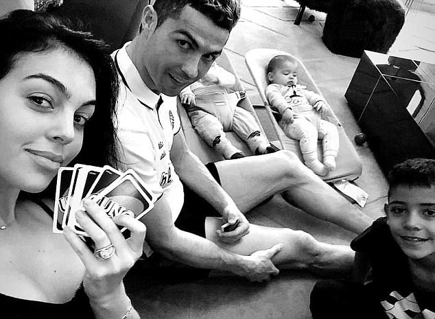 Cristiano Ronaldo relaxes with his girlfriend and children ahead of Champions League clash (Photo)