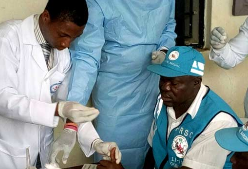 Photos:?FRSC officials donate blood to accident victims In Osun State
