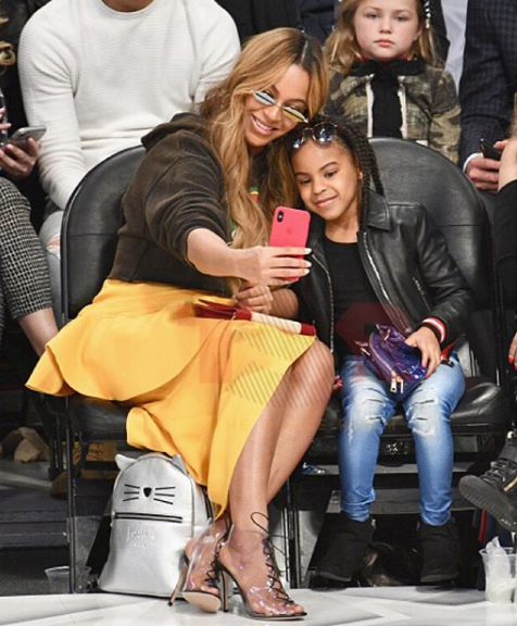 Adorable photos of Beyonce , Blue Ivy and Tina Lawson at the NBA All Stars game