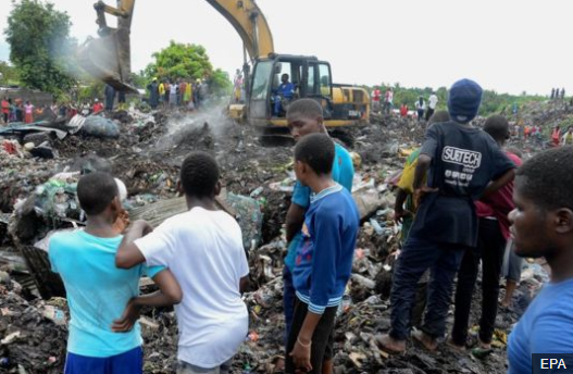 Huge heap of refuse dump collapses in Mozambique killing 17 people and crushing several homes