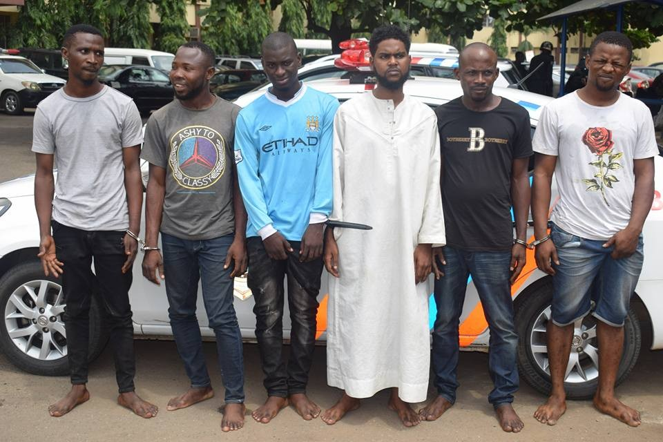 Police arrest cyber criminals that transfer funds from stolen sim cards(photo)